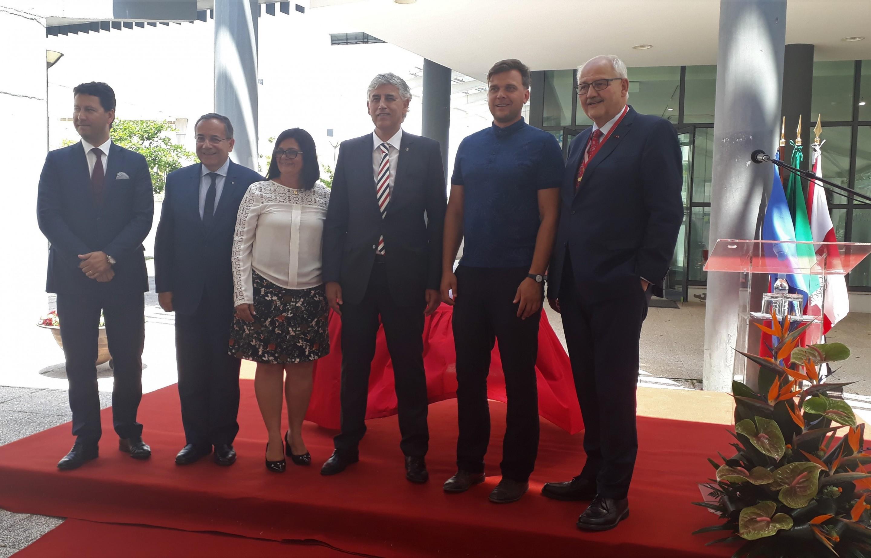 Ourém savivaldybės meras Luis Miguel Albuquerque viduryje su komanda ir Raseinių r. savivaldybės tarybos narys S. Nacius uai 2880x1846 1