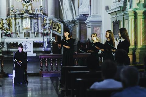 """Atverkite man teisumo vartus"""" premjera Šiluvos bazilikoje Nuotr S GudaičioJPG 1"""